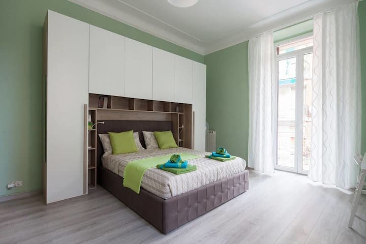 Hepburn Room - Room w/ balcony near train station - Ла Специя - Квартира