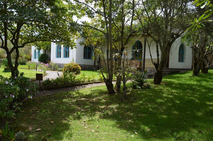 Private room in charming Otavalo hacienda. - Otavalo - House