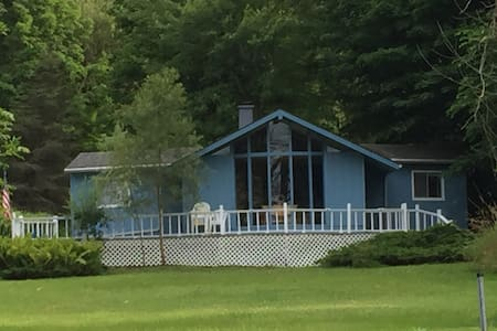 Beautiful lakeside cottage - Bloomingdale - Banglo