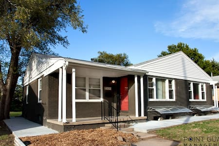 Beautifully Remodeled 4 Bed Home - 威奇托(Wichita) - 独立屋
