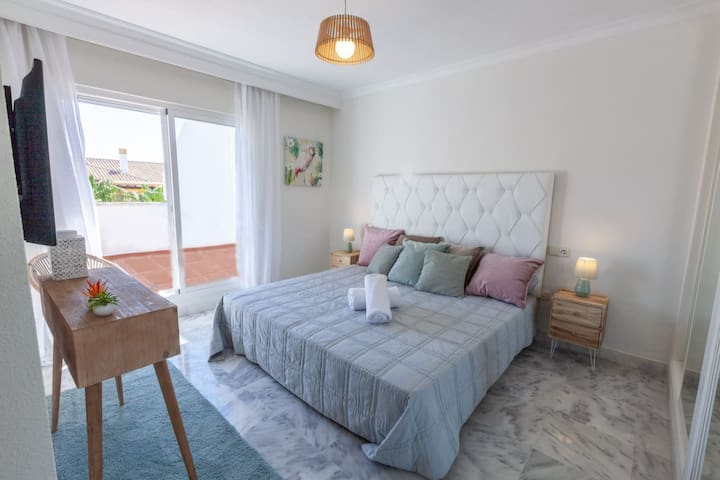 Master bedroom with 200x200cm King size bed, ensuite bathroom and ample built-in closet