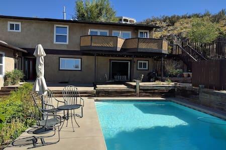 Foothills Sanctuary - Perfect for Sunset Views - Albuquerque