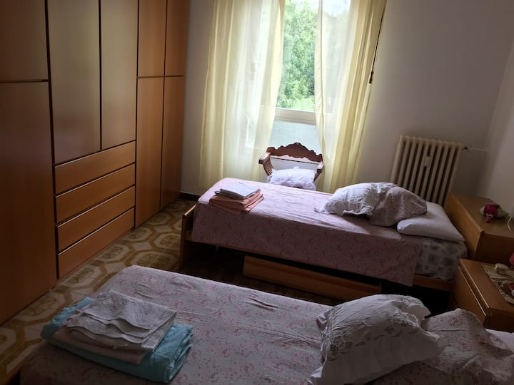 Place in double room ONLY FEMELE Milano Bonola