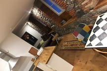 Studiowohnung mit kompletter Ausstattung auf hohem Niveau. ob dimmbare Lampen, Geschirrspüler oder Regendusche... Sie werden sich Wohl fühlen
