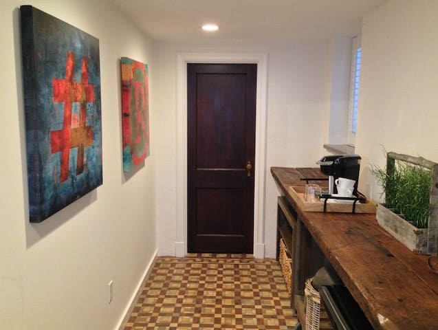 1Bed/1Bath Suite in Tower Grove South - St. Louis