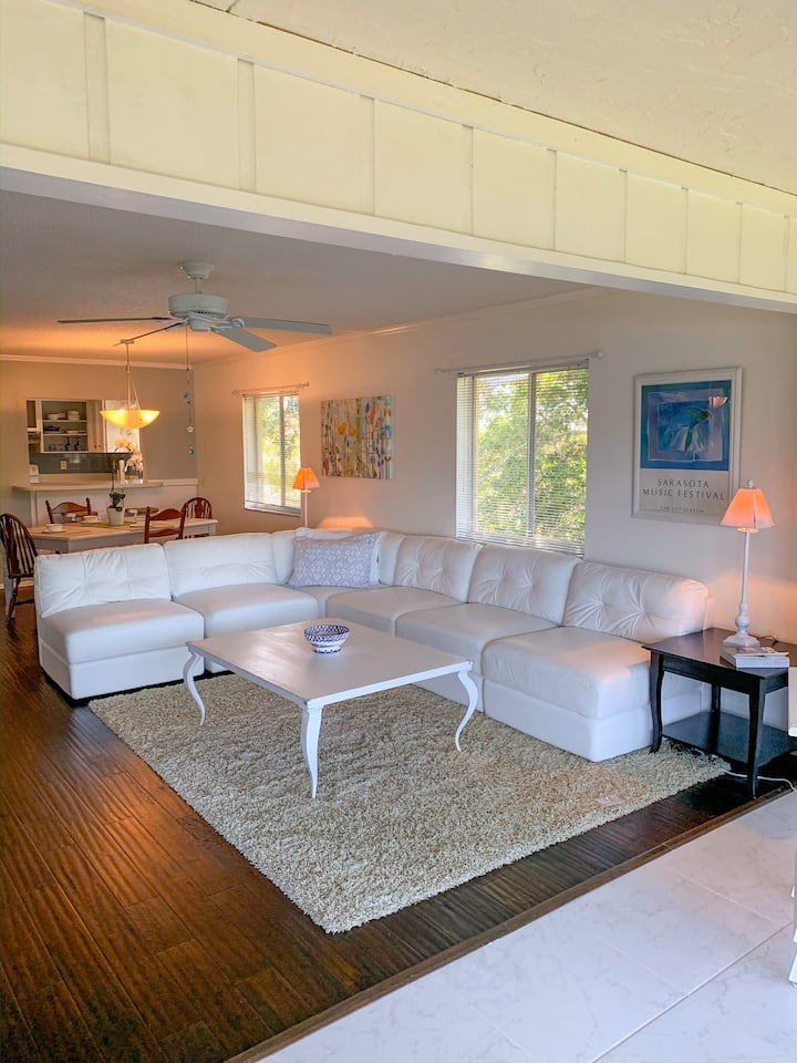 Anna Maria by the Bay  (minimum rental is 30 days)