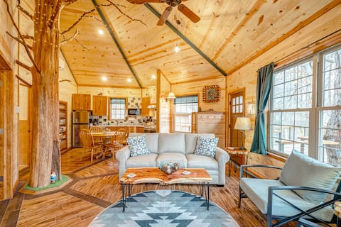 Luxury Treehouse - Nashville Area Getaway