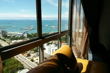 Entire 2BRs 31st Floor 100% Pattaya Bay Seaview