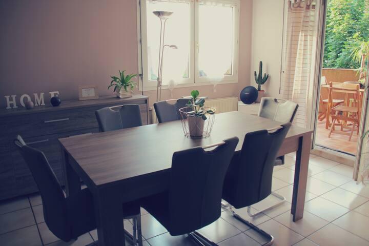 Agréable appartement proche métro et périphérique - Tolosa - Condominio