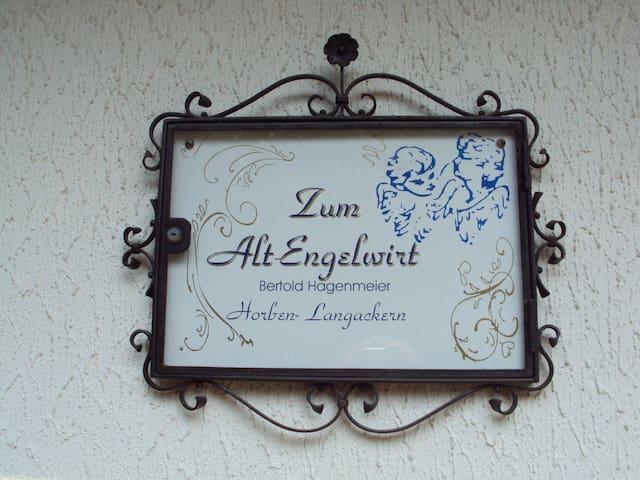 Alt-Emgelwirt - Horben - Outros
