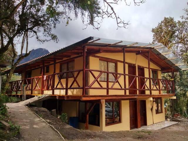 Termas El Pantanal: bed and breakfast