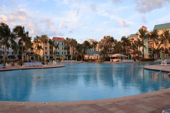 Harborside at Atlantis Resort