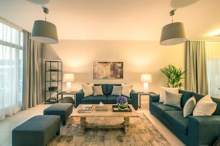 Luxury Villa in Jumeirah - Дубаи