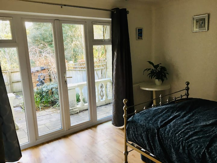 Studio with private, sunny garden. Sleeps up to 4.