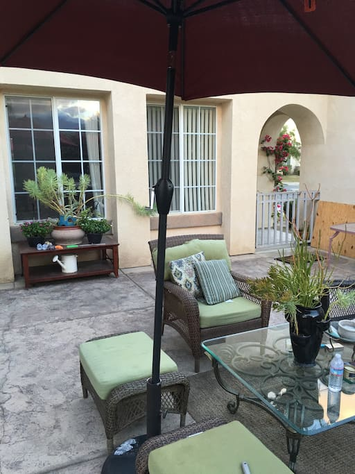 Giant Courtyard with perfect views of the gorgeous San Jacinto Mountains