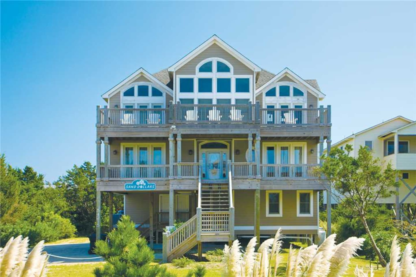 Surf-or-Sound-Realty-Sand-Dollars-700-Exterior