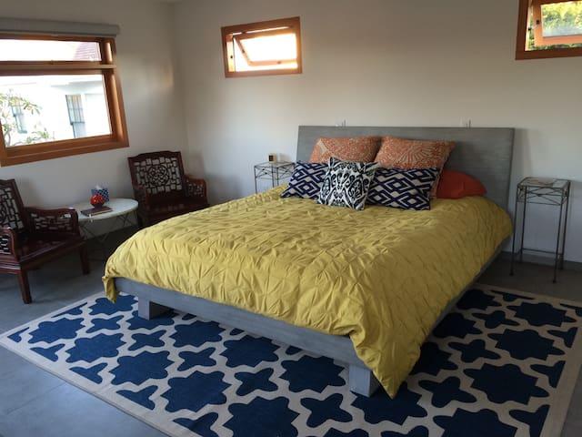 Bedroom 4: Casita with King size bed, en suite bathroom, kitchenette and walk in closet
