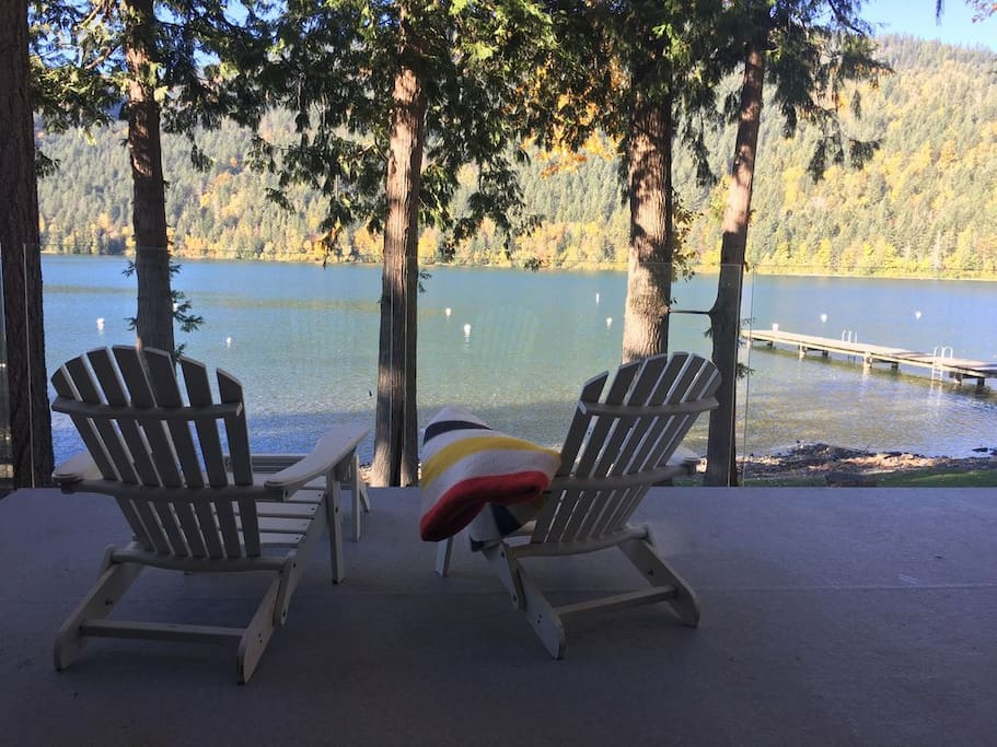 Waterfront Cabin On Cultus Lake Cottages For Rent In