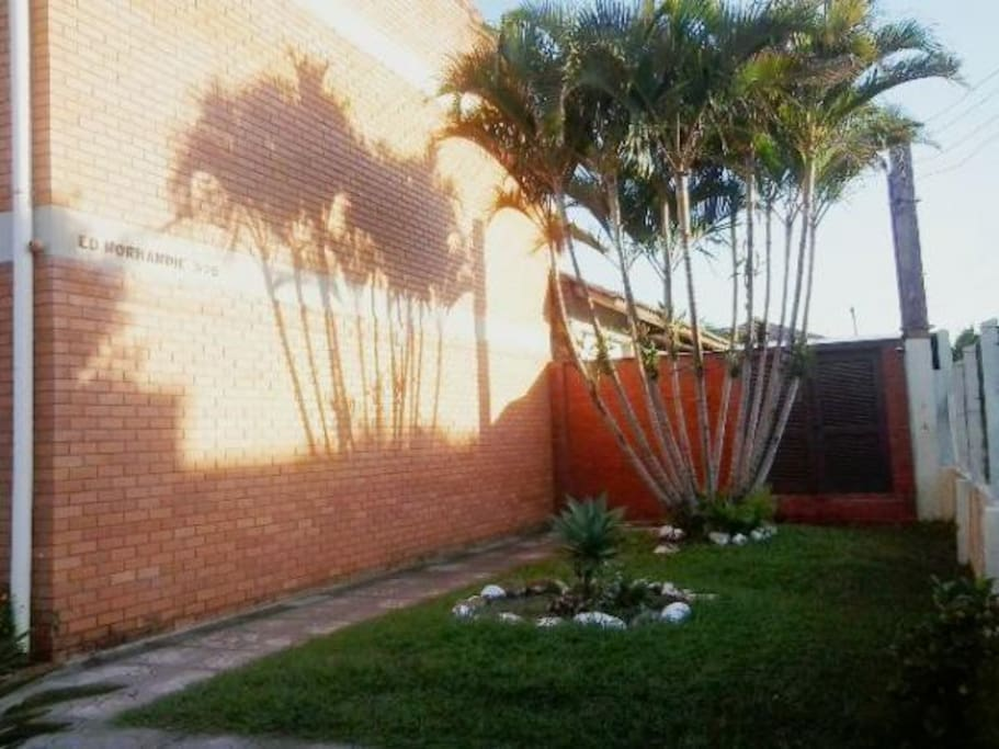Jardim frontas da direita