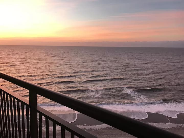 OCEANFRONT-Great Location!! Welcome to Paradise!!!