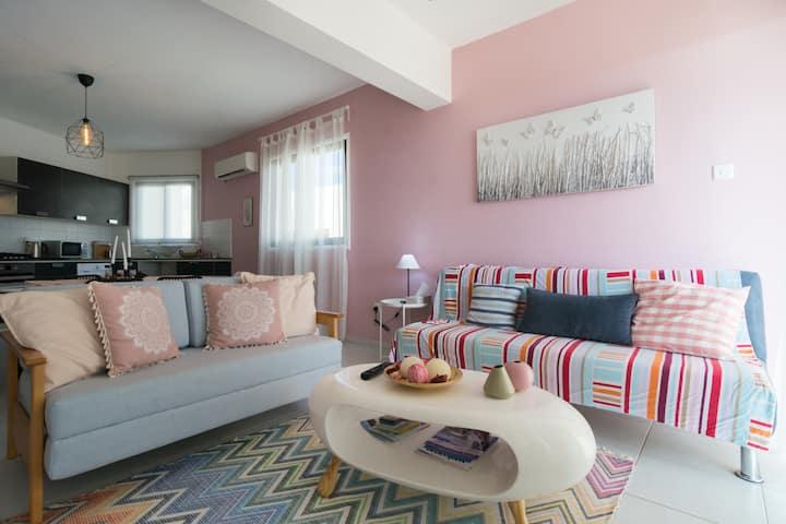 Spacious 2 bedroom, Sea view apartment.