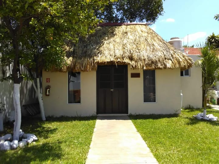 Casa Canul Mora, Casita Maya Beto