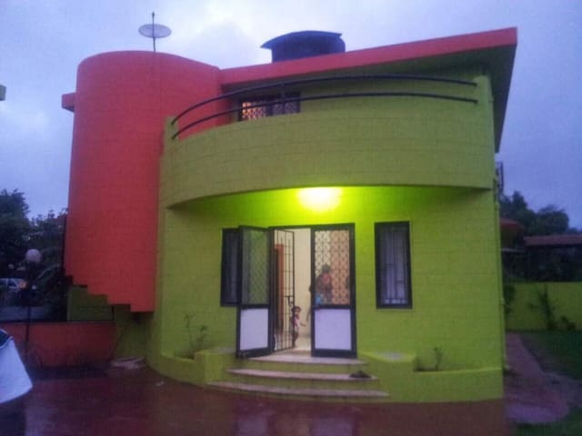 3 bhk ac bnglow with garden swming - Lonavala - Hus