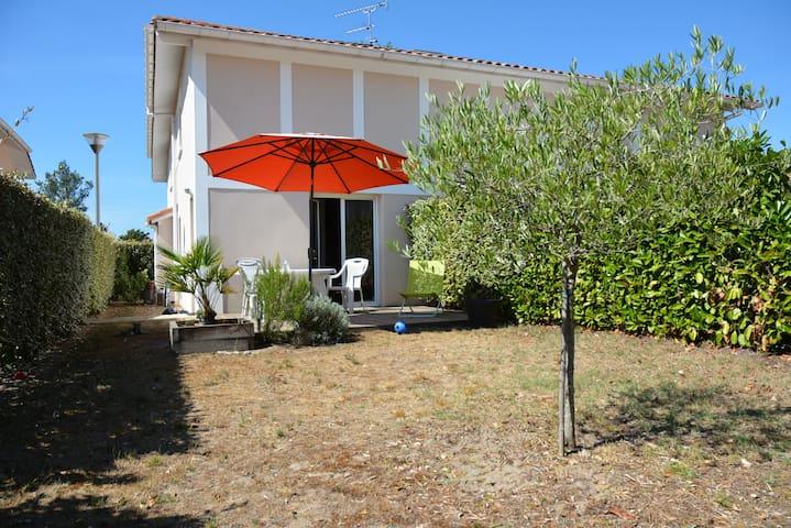 villa proche lac et océan - Vielle-Saint-Girons - Dům