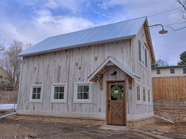Private, Historic Barn in Downtown Castle Rock