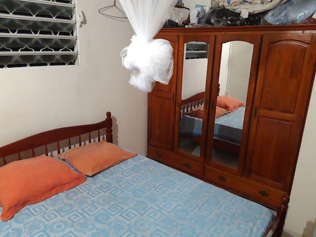 Chambre chez l'habitant (uniquement pour femmes)