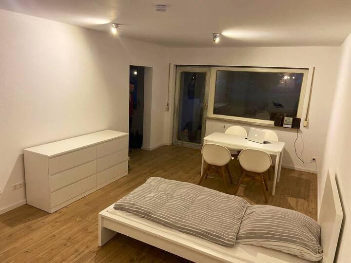 Schöne renovierte Wohnung im Naherholungsgebiet