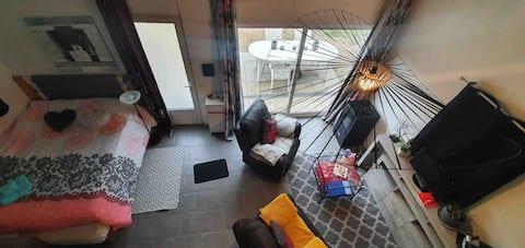 Studio au calme situé au cœur du Var