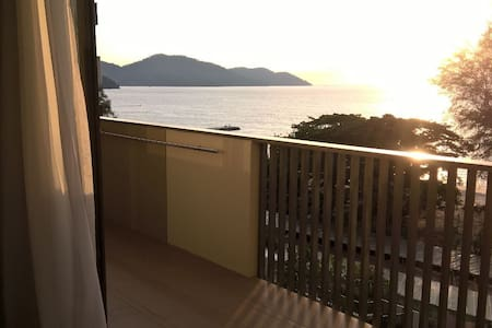 By The Sea - Sea View Double Suite - Appartement