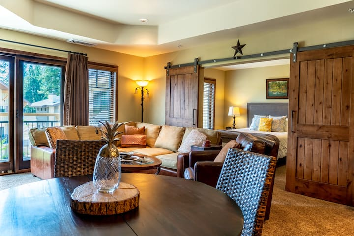 Alpine Glow - A Luxury Condo in Downtown McCall!