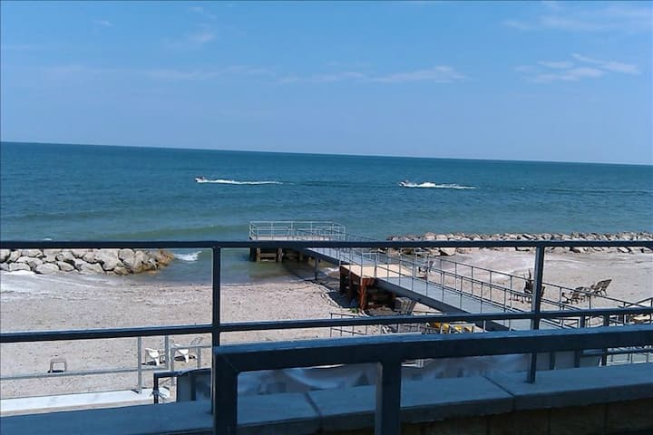 LUXURY CONDO WITH DIRECT BEACH WALK OUT  Unit L08