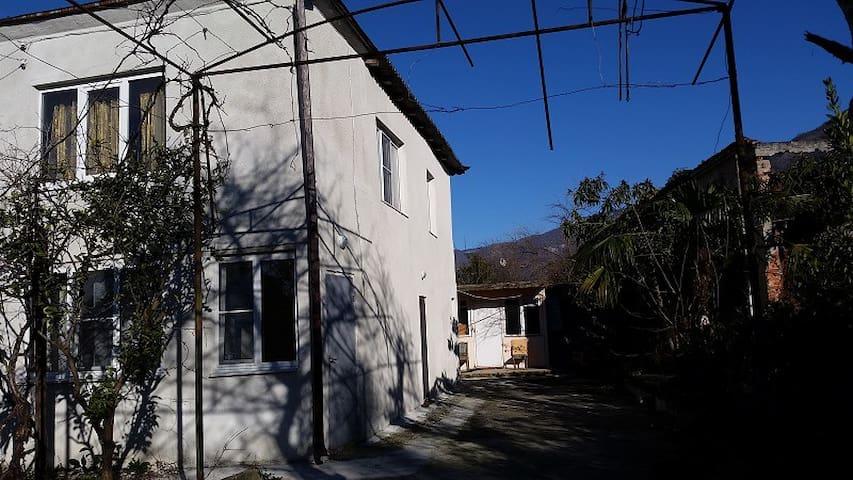 Гостевой дом 4 комнаты у моря - Otradnoe - Casa