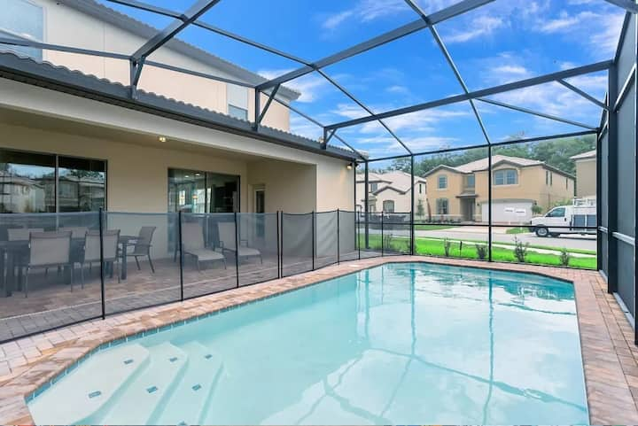 Luxury 5BR Family Mansion Private Pool/BBQ/More!