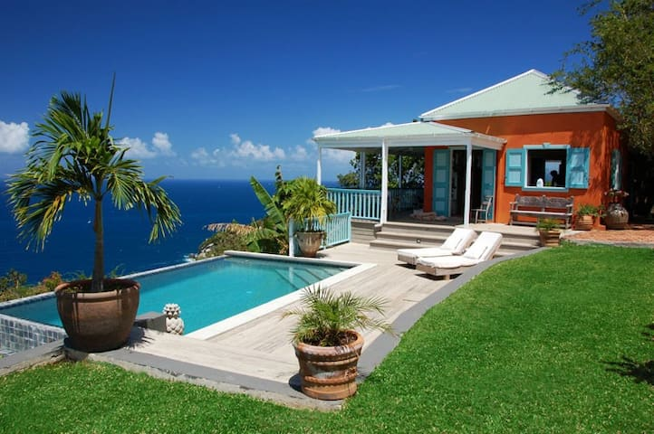 Stylish, secluded villa with pool, stunning views - Roadtown - Huis