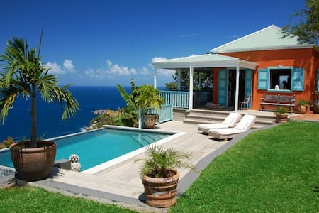 Stylish, secluded villa with pool, stunning views - Roadtown