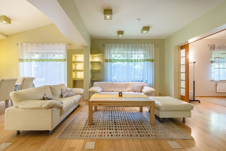 From 2 to 4 private bedrooms at Villa EverGreen