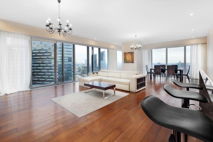 Апартаменты на 28 этаже небоскрёба ОКО  120 кв.м.