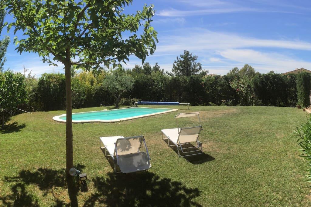 Villa avec piscine eguilles proche aix en provence for Camping a aix en provence avec piscine