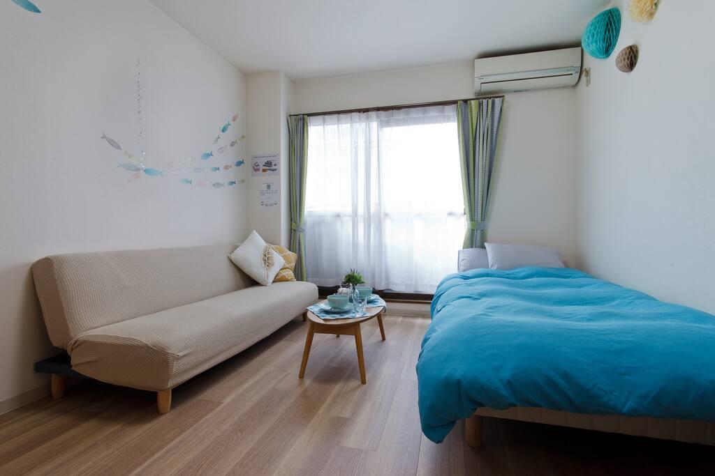 Bed and sofa bed 单人床和沙发床