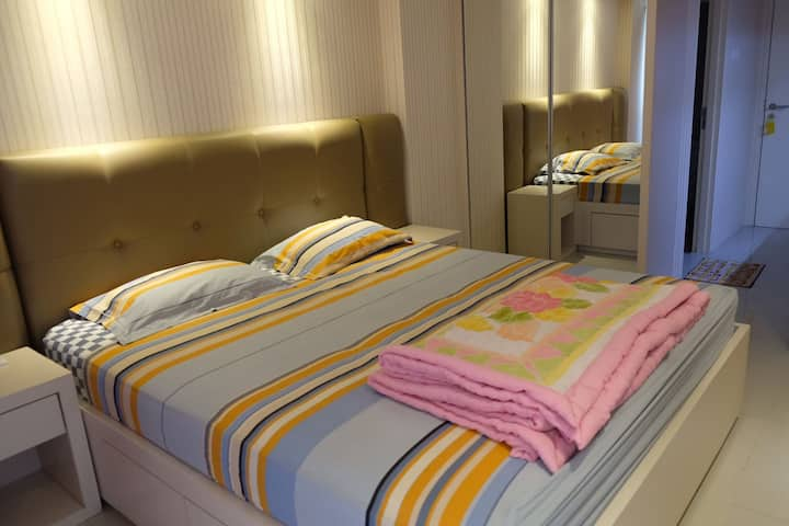 Cozy and affordable orchad apartment pakuwon mall