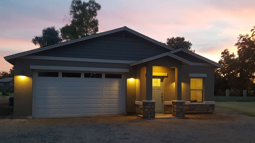 Two Bedroom, newly built guest house in Gilbert - Gilbert