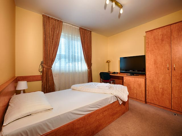 clean&comfortable room, Frankfurt Airport, C2 - Mörfelden-Walldorf