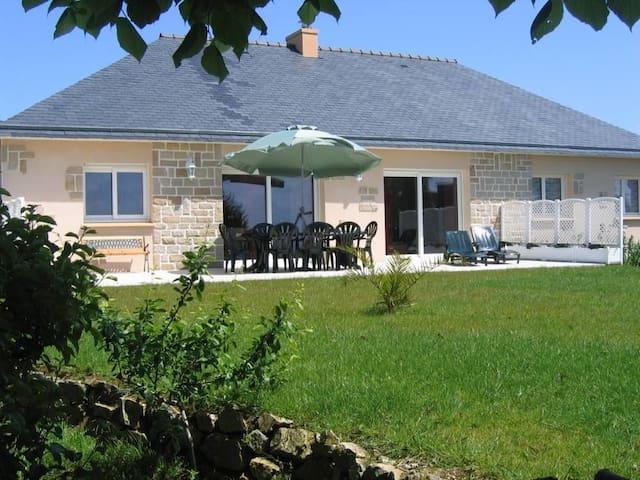 Villa face à la plage de sable fin - Telgruc-sur-Mer - House