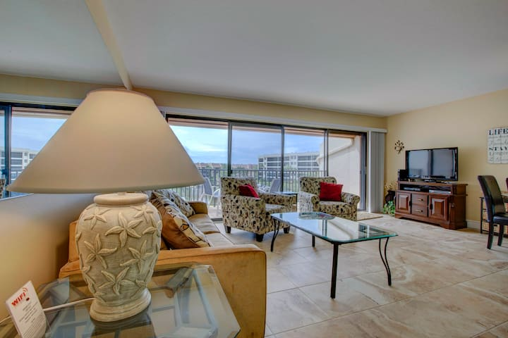 Siesta Key bay water 2/1.5 condo w/ private beach - Sarasota