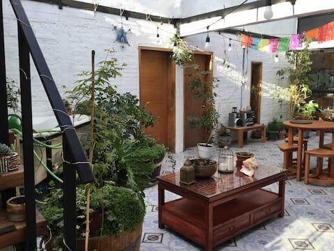 Solar Eco lodge, bed & breakfast