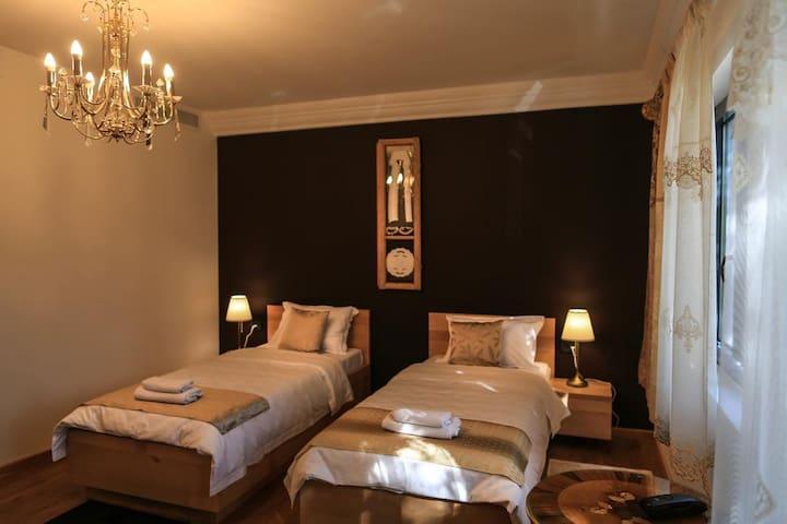 Hotel Atrium - Delux twin room